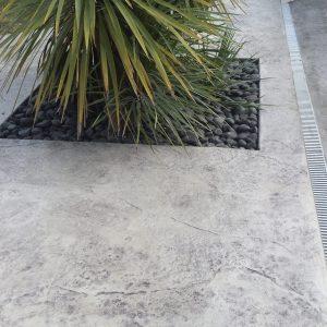 Roche gris clair – Motif béton imprimé