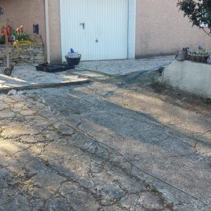 Avant - L' allée de garage était dans un état très dégradée...