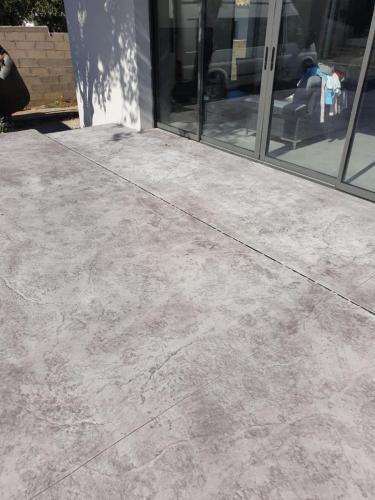 Terrasse motif roche - Béton imprimé